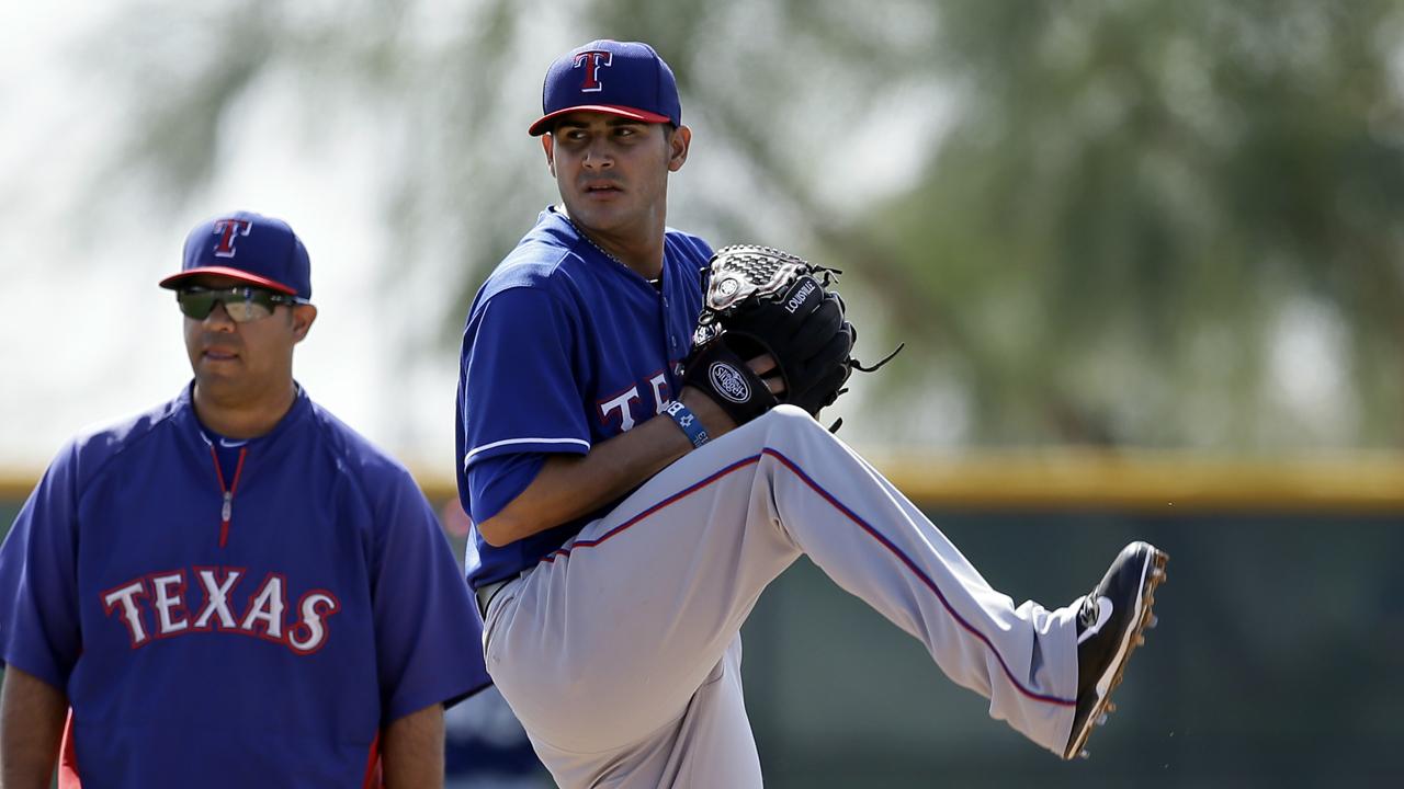 Martín Peréz espera por fin ayudar a Rangers todo el año