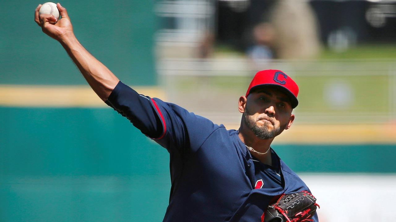 Indios enviaron al dominicano Danny Salazar a Triple-A