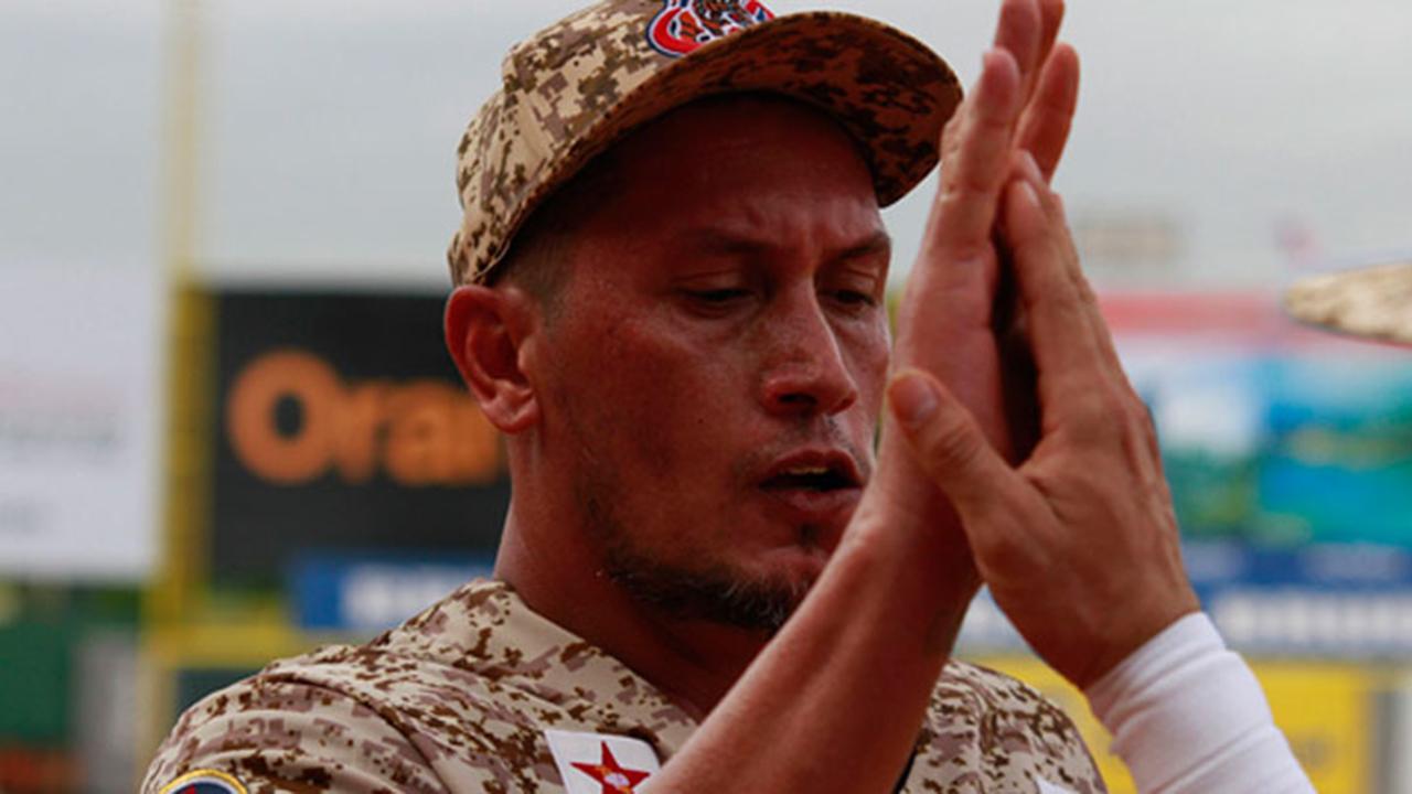Freddy García domina y guía a Venezuela sobre Puerto Rico