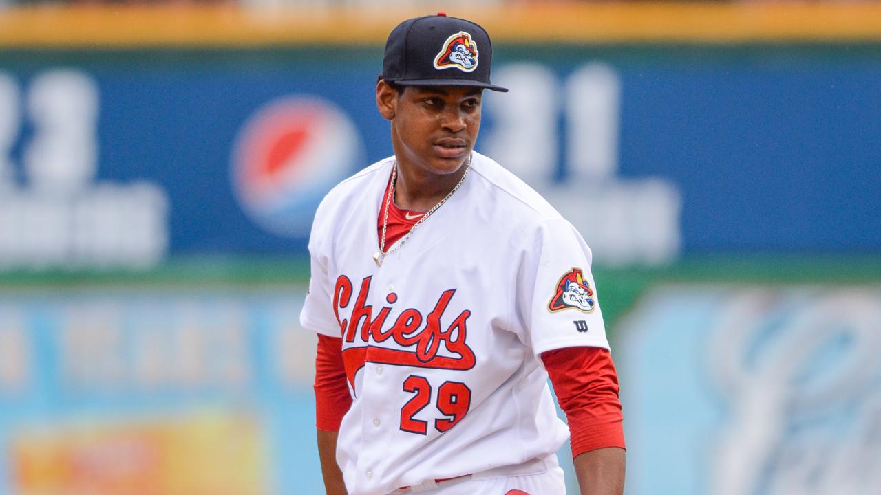 Alexander Reyes quiere ayudar a mantener la tradición del pitcheo en S.L.