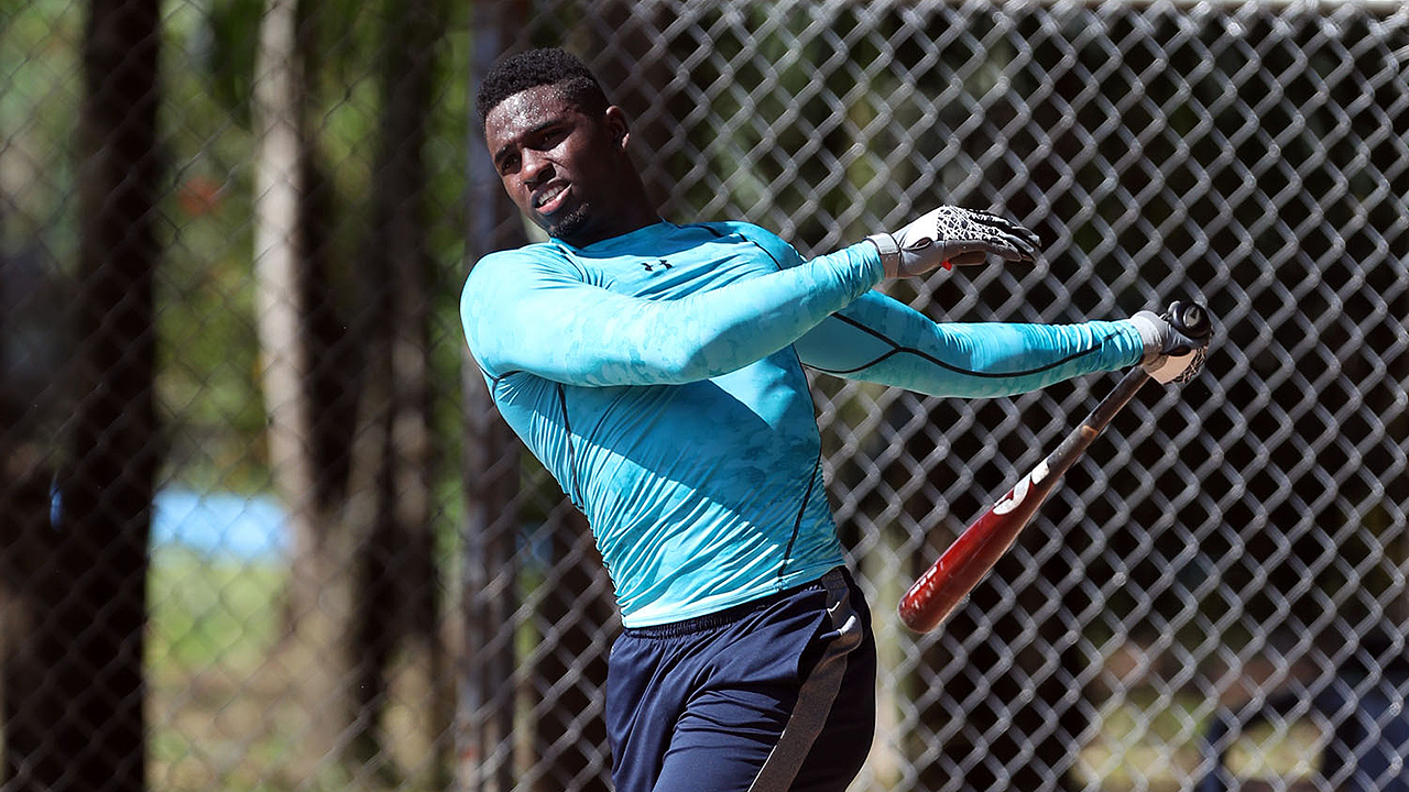 El cubano Luis Robert ya es agente libre; podría firmar con cualquier club en mayo