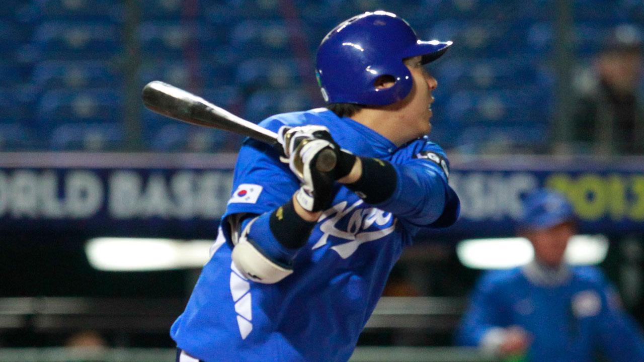 Informe: Orioles firman al OF surcoreano Hyun-soo Kim