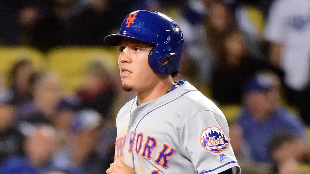 Mets inhabilitan a Wilmer Flores por lesión en la corva izquierda