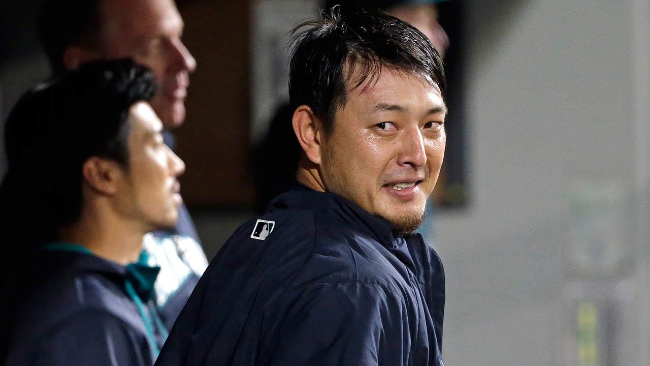 Informe: Hisashi Iwakuma pacta por tres años con Dodgers