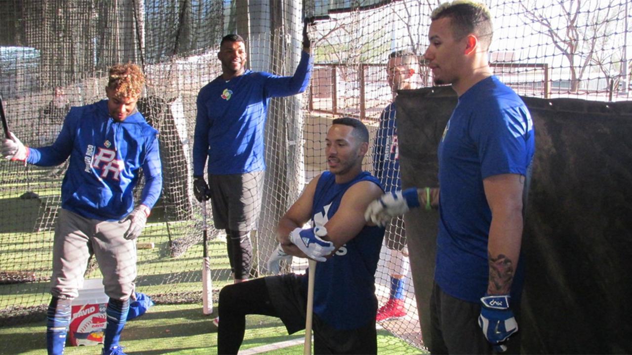 Carlos Correa contento de ayudar a P.R. como tercera base
