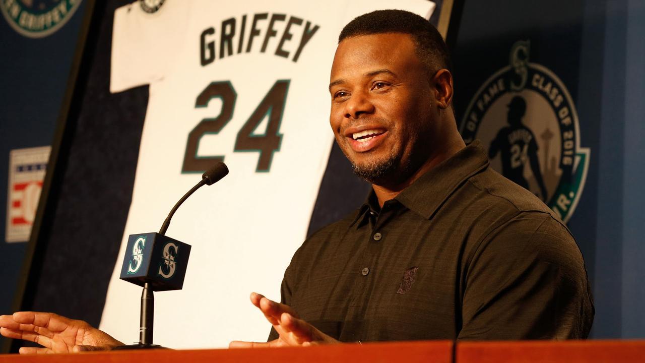 Marineros dan la bienvenida a Griffey Jr.; retirarán su número 24