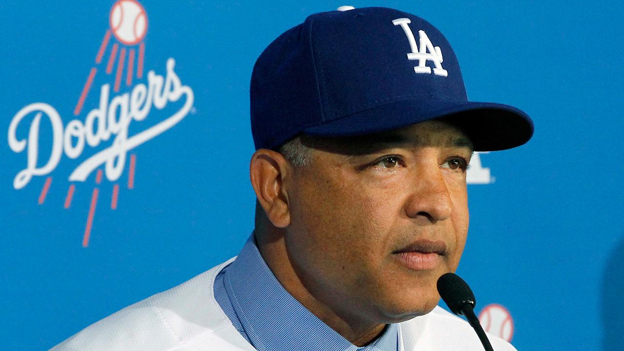 Los Dodgers presentan a Dave Roberts como su nuevo piloto