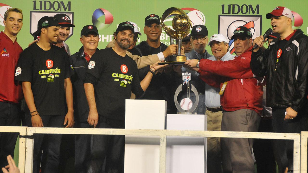 Leones se coronan en la pelota invernal de Dominicana