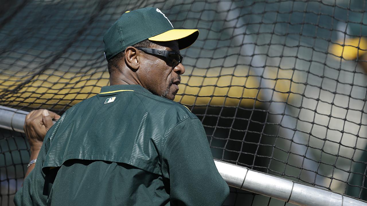 Terreno de juego del estadio de Oakland llevará el nombre de Rickey Henderson