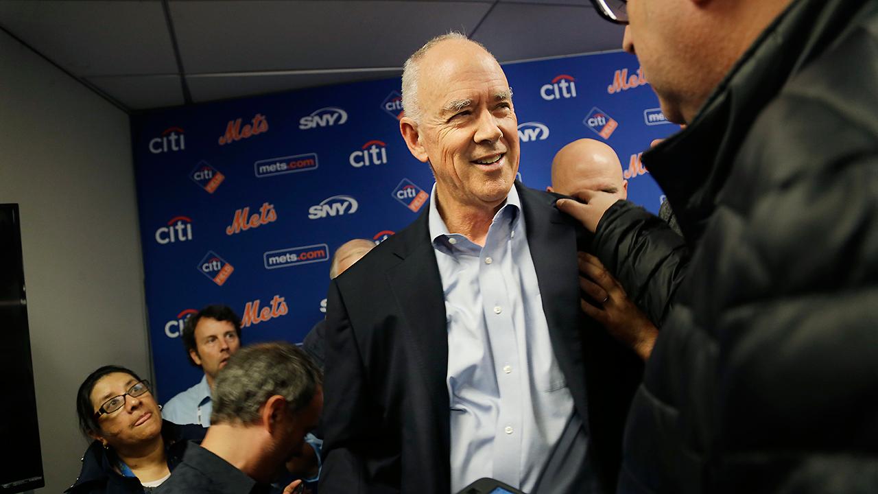 Gerente general de Mets se desmaya durante conferencia